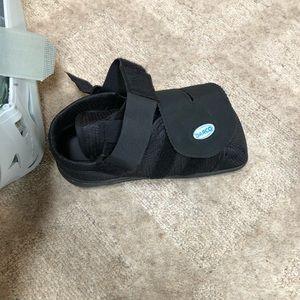 Boot for broken foot